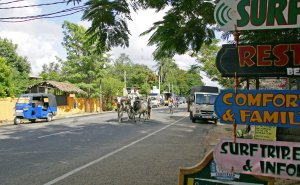 Bustling main road of Arugam Bay
